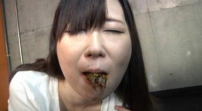 口の中にウンコされる女サンプル3