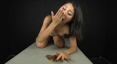 喉も膣も糞まみれ 脱糞食糞オナニーサンプル6