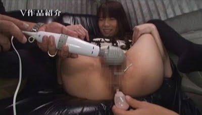 女の汚れた肛門を見られる!素人女子ナンパ即浣腸脱糞サンプル9
