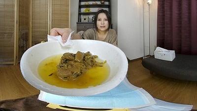 主観対面で美人が排泄(放尿&脱糞)姿を見せてくれるVR動画サンプル5